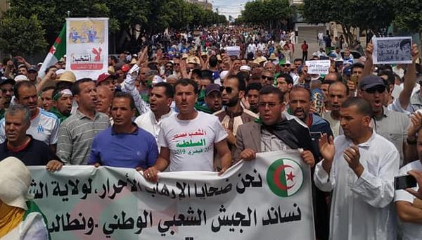 إنطلاق مسيرة الشلف في الجمعة الـ 13