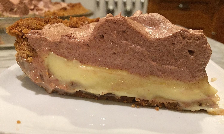 A Cake Bakes in Brooklyn: Upside Down Chocolate Meringue Pie