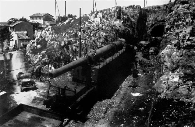 The Anzio Express during World War II worldwartwo.filminspector.com