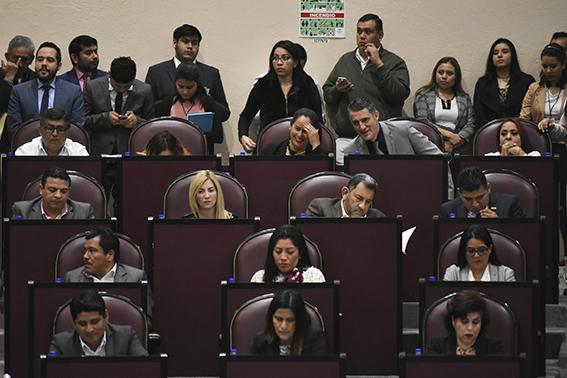 Cuitláhuac ejercerá 14 mil mdp más de presupuesto que Yunes