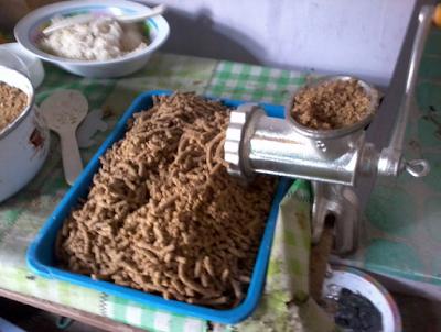 Makanan Kelinci Berupa Pelet