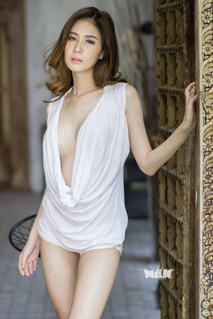 Hot and sexy topless photos of beautiful busty asian hottie chick Thai model babe Thanyarat Rodpol photo highlights on Pinays Finest Sexy Nude Photo Collection site.