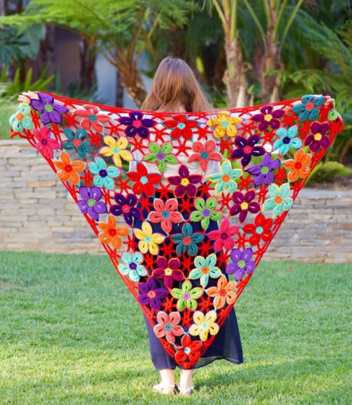 Crochet flower shawl patterns ~ ? YaRn&Crochet