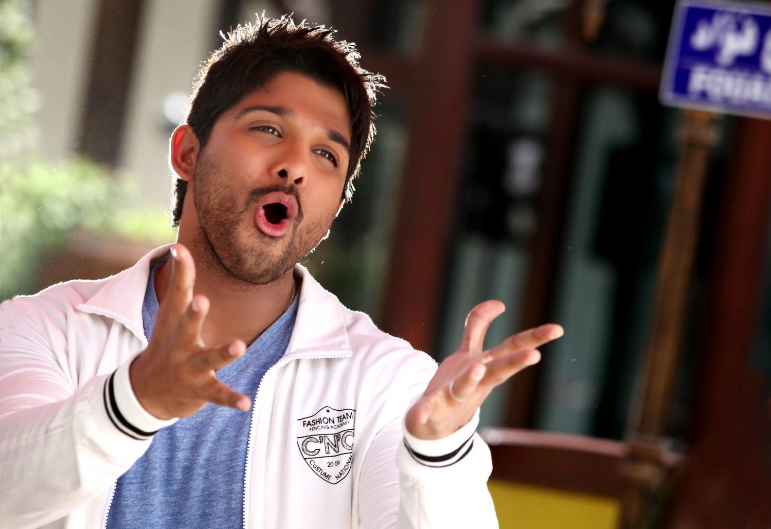 Allu Arjun Stills From Julayi Movie | Allu Arjun Latest HQ ...