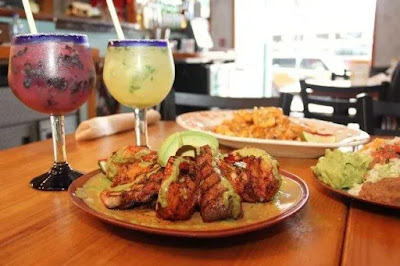 Find the Traditional Latino Cuisines at Gato Negro Bar Restaurante