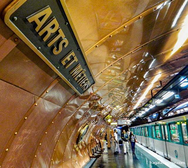 Estação de Metrô Arts et Metiers, em Paris
