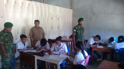 Babinsa Koramil 1312-08/Melonguane Tanamkan Nilai Pancasila di Bangku Sekolah