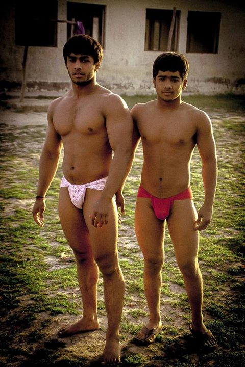 Sexy Gay Indian Men