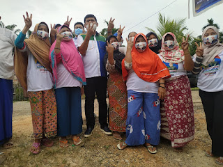 Cawagub No urut 2 Syafril Nursal, Bergegas turun dari kendaraan, untuk bertemu warga Desa Danau Embat