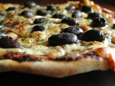 Lebanese Olive Pizza
