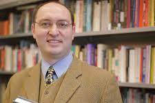 2 KetentuanTenaga Perpustakaan Bagi Perpustakaan Sekolah SMP/MTs Sesuai Standar Nasional Perpustakaan