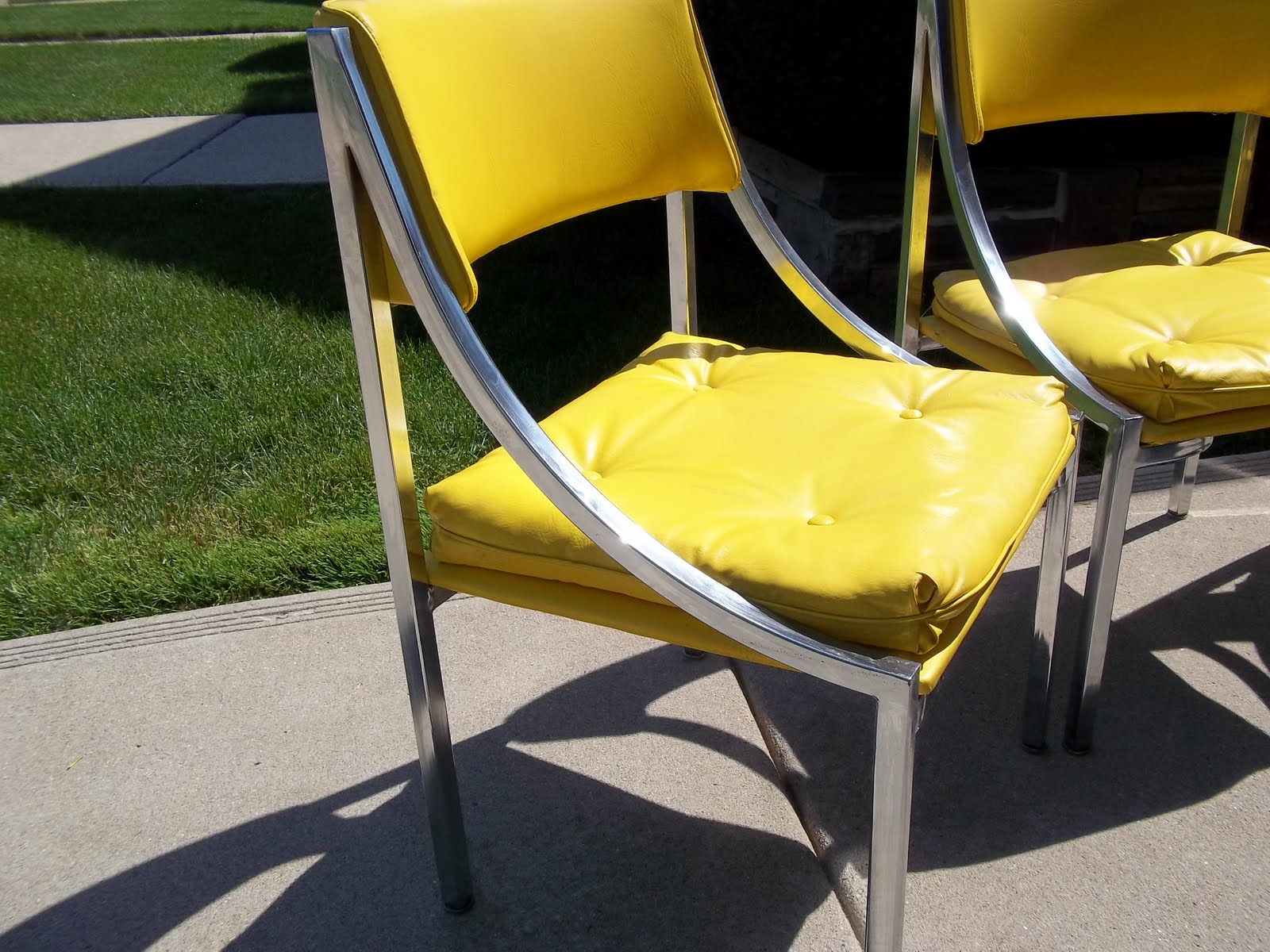 Mod About You 3 Wolfgang Hoffman Chrome And Vinyl Mid Century Chairs 150
