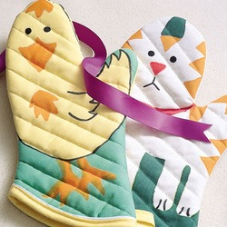Craft: Hand-Colored Oven Mitts