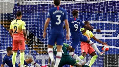 Căng thẳng bảng xếp hạng Top 4 Ngoại hạng Anh: Chelsea hơn MU mấy điểm? 2