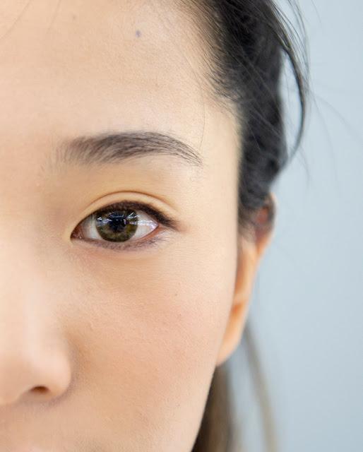 ★YourHeart強力推出!防水、防汗、防油!溫水可卸!一刷讓睫毛迅速變長!捲翹度持久,根根分明讓眼睛自然放大!長時間都能維持纖長又捲翹的睫毛!重複塗刷不易結塊、不易有蟑螂腳出現!以多種植物精華為基底,刷上睫毛膏時同時保養睫毛。萃取摩洛哥堅果油的精華,保留豐富的維他命E、胡蘿蔔素等,能滋養及柔軟睫毛根部,讓睫毛根根纖長分明,輕鬆擁有如娃娃般的捲翹纖長睫毛!