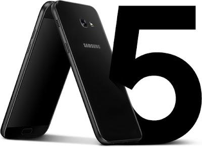 Spesifikasi Samsung Galaxy A5 (2017)           Samsung memberikan otak terbaik untuk sebuah Smartphone terbarunya , ini begitu terasa dari kinerja hardware yang dimiliki Samsung Galaxy A5 2017 yang menggunakan racikan processor Octa-core yang tentu akan berkerja sama dengan chipset terbaik saat ini yatu Exynos 7870 denga bantuan kombinasi dari pengatur grafis GPU Mali-T830MP2. Dengan kombinasi Hardware seperti ini tentu hasi kinerja yang diberikan begitu sama dan memberikan cita rasa ponsel flagship yang berada di harag 8 jutaan. Samsung Galaxy A5 2017 memilki kapasitas RAM 3 GB dengan tambahan storage atau internal memori 32 GB yang bisa Sobat gadget tambah dengan microSD hingga kapasitas 256 GB. Kapasitas RAM 3 GB tentu akan memebrikan kinerja yang begitu baik dan responsive tentunya, membuka aplikasi secara membabi buta tentunya bukanlah sebuah masalah di Samsung Galaxy A5 2017. Sistem operasi Android sendri belum OS Nougat dan cenderung masih OS Marshmallow, padahal di 2017 OS Nougat sudah tersedia dan sudah ada pula Smartphone yang sudah menggunakan OS Android terbaru itu.               Samsung kian menambahkan keunggulan dari Smartphone ini disektor kamera utama, kamera utama dari Samsung Galaxy A5 2017 sediri sudah berbekal dengan kamera berlensa 16 Megapixel yang dirasa akan mapu bersaing dengan Vendor yang mengutamakan kuwalitas kamera seperti Oppo dan Vivo, namun kame