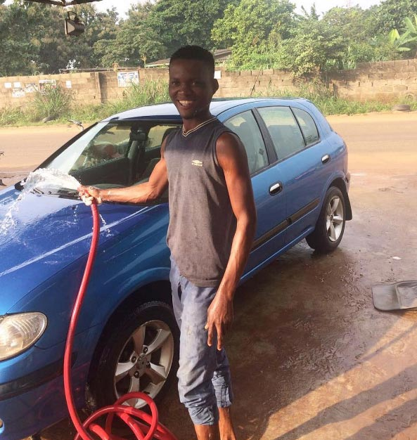 See the MAPOLY undergraduate who washes cars to send himself to school