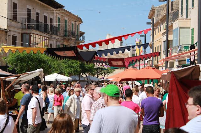 Ausflug zu einem Wochenmarkt auf Mallorca