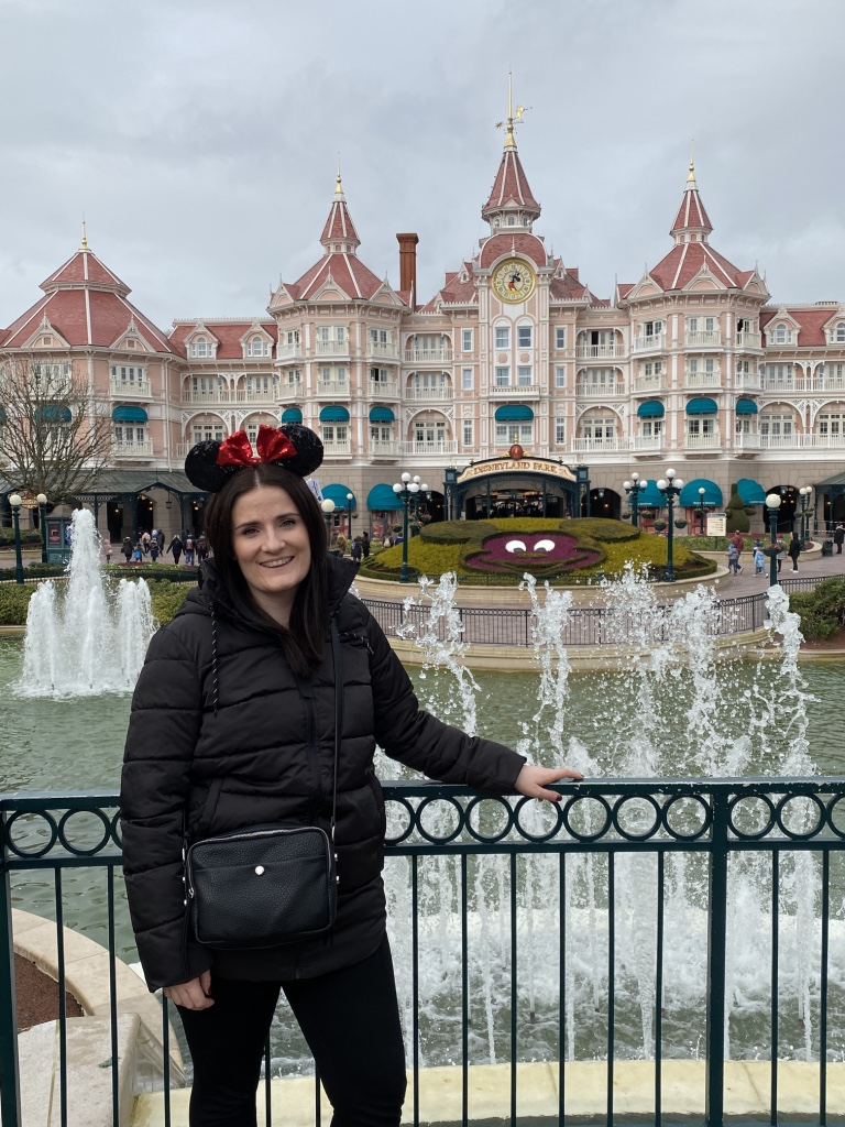 Disneyland Paris - Tips and Tricks - Hotels, Food, Rides and Attractions