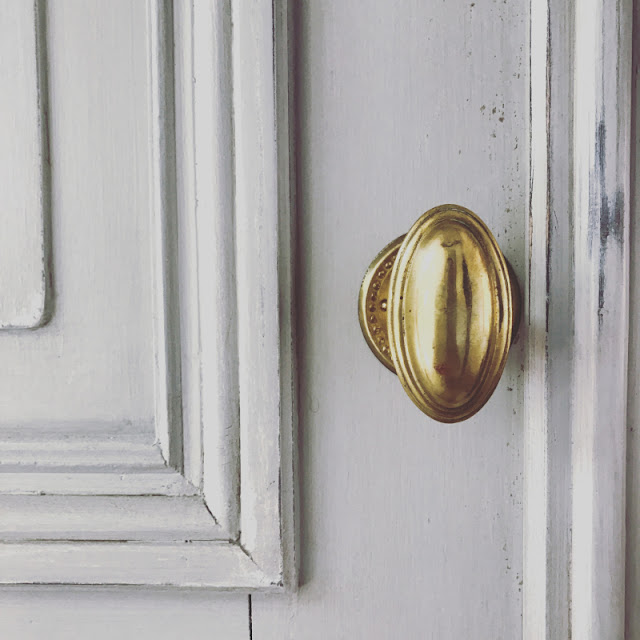 Detail of vintage door and brass hardware - found on Hello Lovely Studio