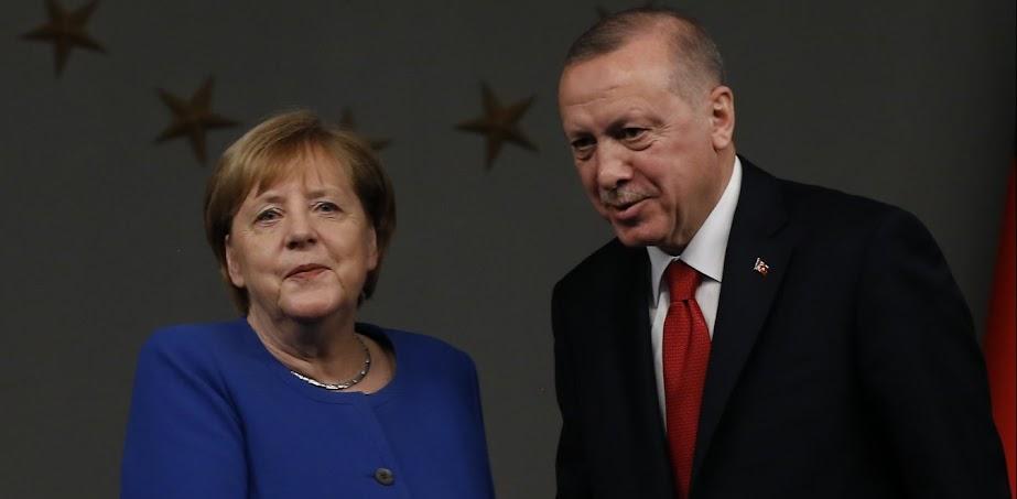Η Άγκυρα συνεχίζει να βλέπει «συνωμοσίες» της Ελλάδας