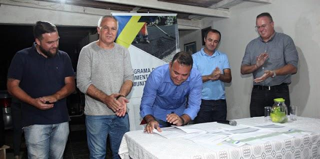Sergio Pinheiro autoriza asfalto no Jd Guarujá e Jd Monza