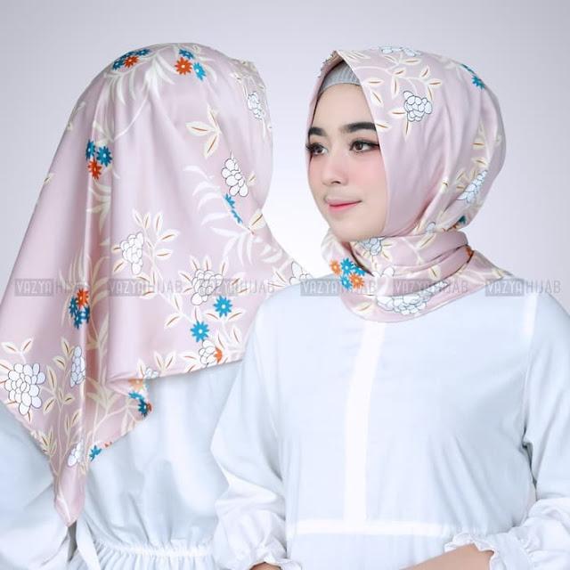 Jilbab INSTAN SEGITIGA Sheila Warna SILVER