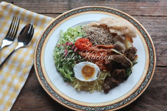 Nasi Kerabu Kelantan Yang Sedap Dan Tahan Lama