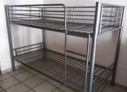 meubles et d co vendre lits superpos s en m tal. Black Bedroom Furniture Sets. Home Design Ideas