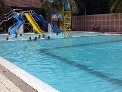Berwisata ke situbondo (kolam renang tirta padawa)