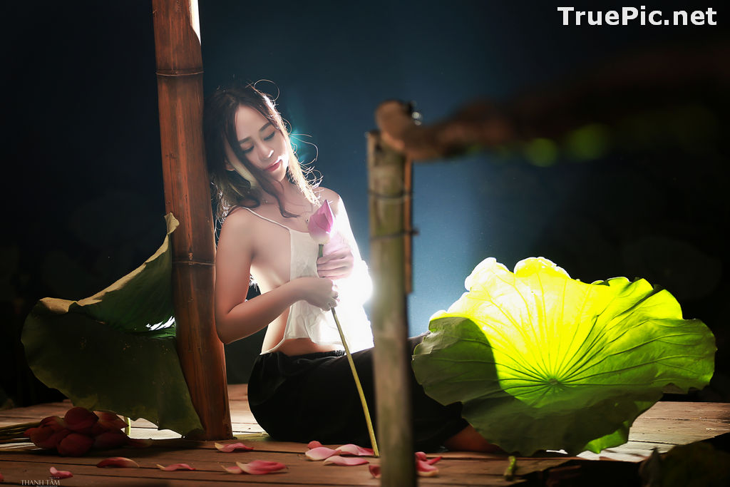 Image Vietnamese Model - Ha Minie - Beauty Girl and Lotus Flower #2 - TruePic.net - Picture-3