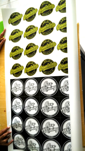 Stiker Label Cutting