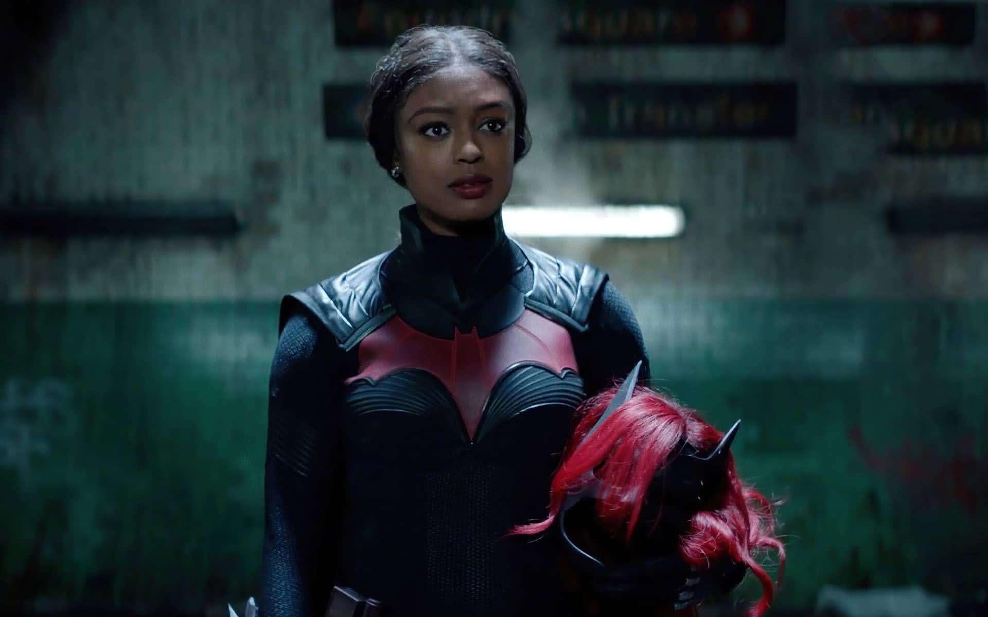 Batwoman Season 2 reveal altered Kate Kane : DCヒロインのテレビシリーズ「バットウーマン」のシーズン 2 に、先代のバットウーマンのケイト・ケインが再び登場することが明らかになった ! !