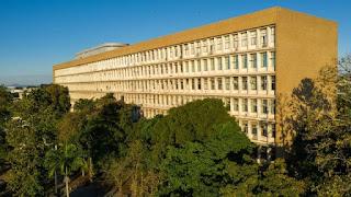 UFRJ expulsa 27 alunos por fraude nas cotas raciais
