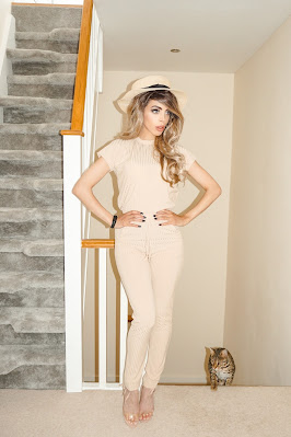 The Femme Luxe Stone Rib Two Piece Loungewear Set in model Aloranna.