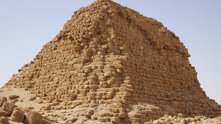 Somehow the nubians were able to form a pyramid