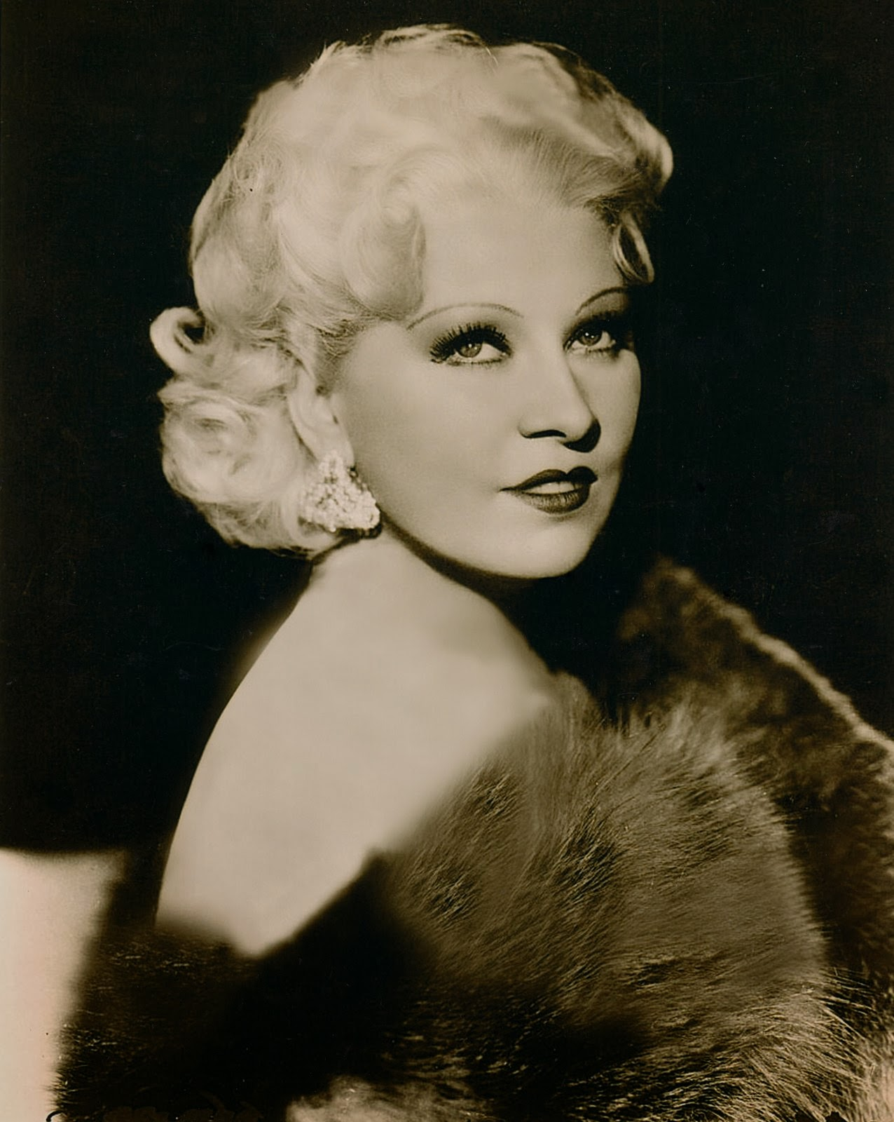 A VERY LUSH BUDGET: MAE WEST ALWAYS THE BEST : The Early Years : RARE MAE WEST PHOTOS AND ...