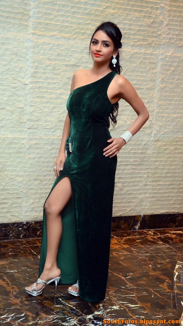 Pooja Sri Hot Photo Gallery