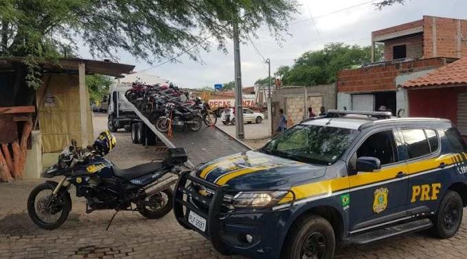 PRF apreende 54 motocicletas irregulares em Capim Grosso
