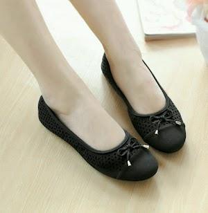 Suka Flat Shoes? Inilah 5 Varian Warnanya yang Sesuai dengan Suasana