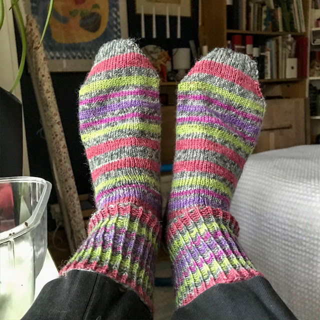 sockor, socks, toe-up, tå-upp, kortvarvshäl, short-row-heel