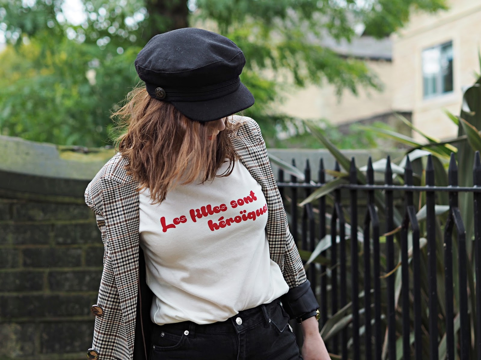 french slogan tee