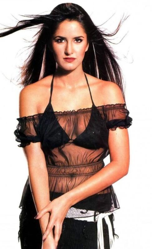 https://1.bp.blogspot.com/-L6U1Ts6mhlU/TjKjJF50GNI/AAAAAAAABSU/oQUMnuea24w/s1600/hot-katrinakaif-bikini-photo-487x800.jpg