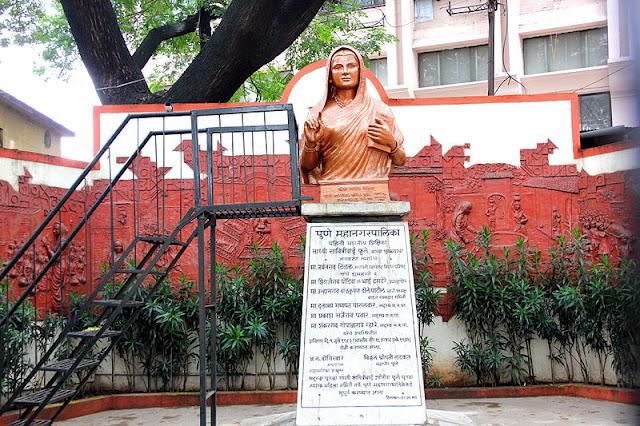 Bust of Savitribai Phule in Pune