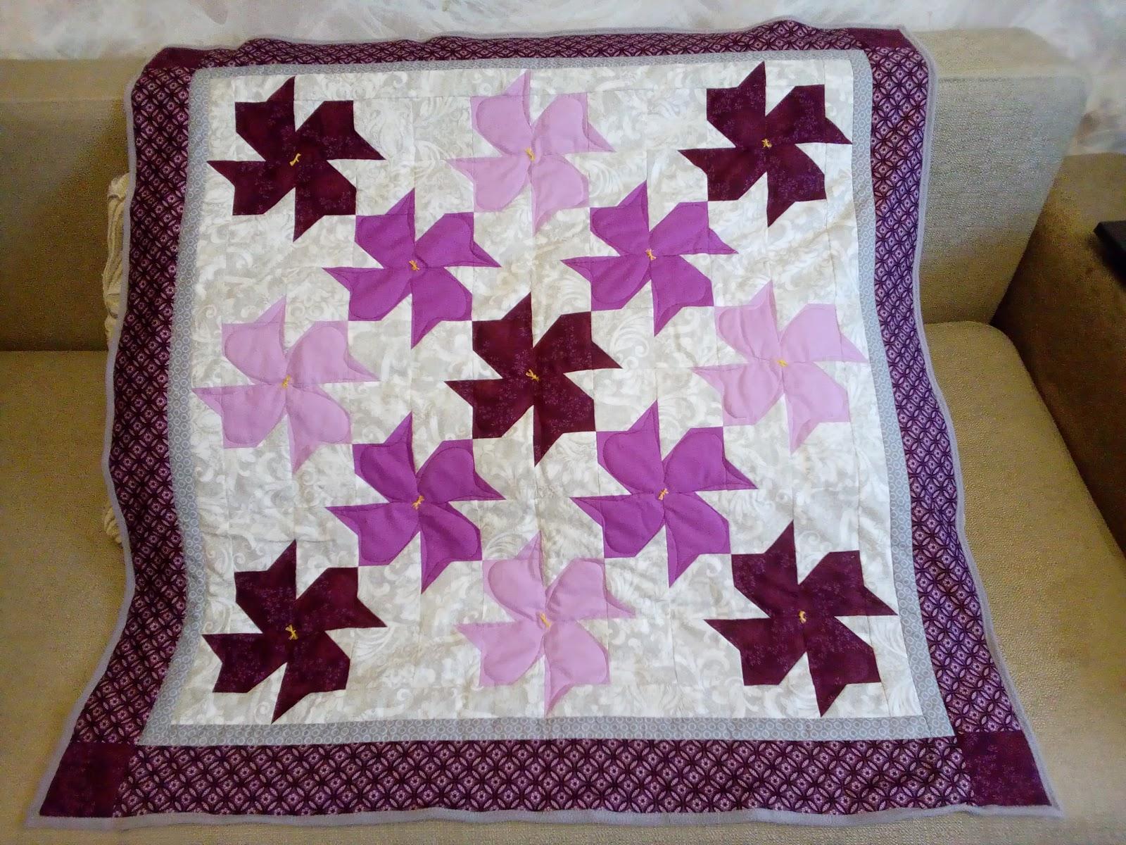 детское одеялко пэчворк в пурпурных тонах