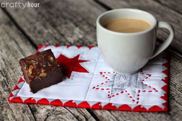 Wonky Stars Christmas Mug Rug Tutorial