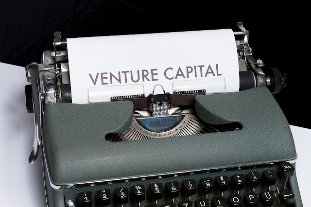 differences between money and capital market