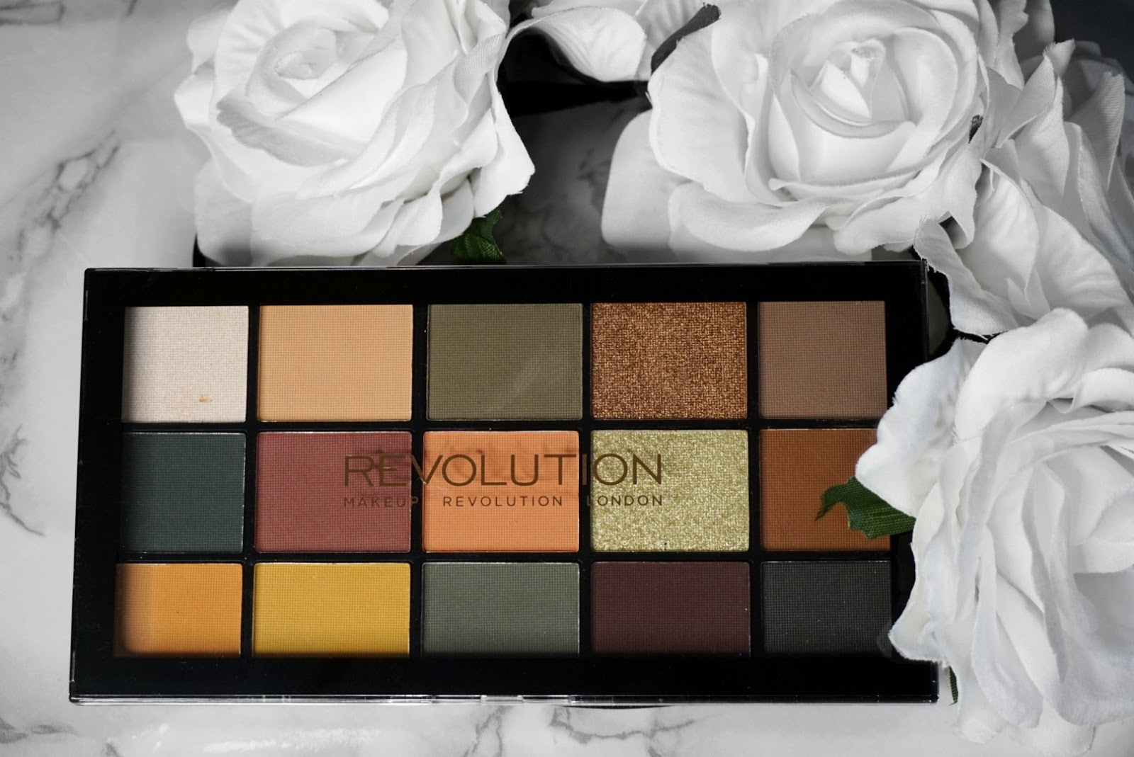 LET'S DUPE IT WITH THE RELOADED ICONIC DIVISION MAKEUP REVOLUTION EYESHADOW PALETTE