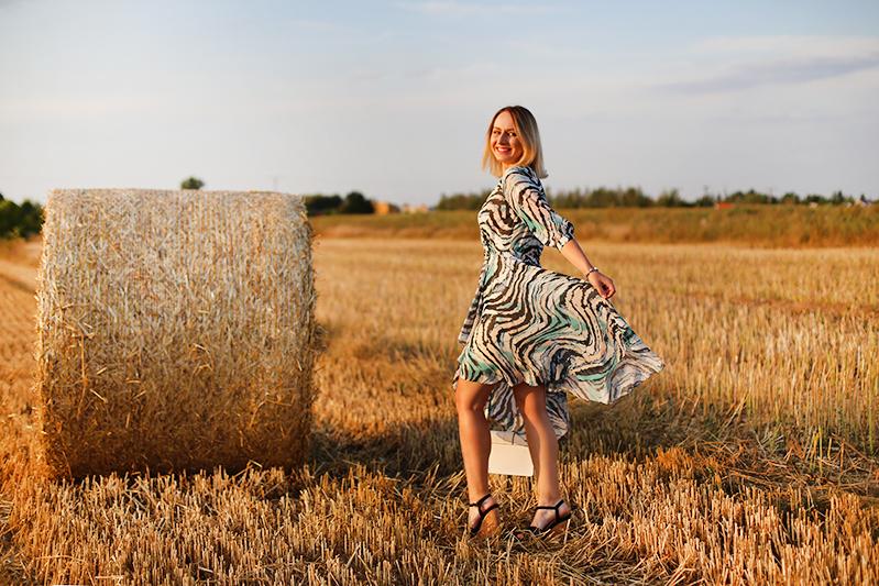 Sukienka zwiewna jak motyle