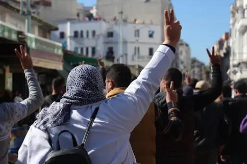 أخبار المغرب: تجريد أساتذة التعليم العالي من الأقدمية يضع الوزارة بين التسوية أو الاحتجاج